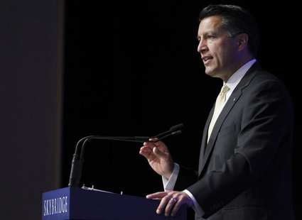 Nevada Governor Brian Sandoval gives a welcoming address at the Skybridge Alternatives (SALT) Conference in Las Vegas, Nevada May 9, 2012. R