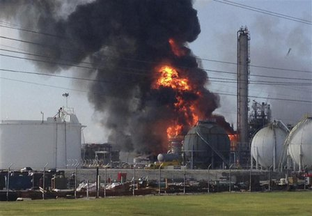 A large fire burns at the Williams Olefins chemical plant in Geismar, Louisiana in this picture taken June 13, 2013. REUTERS/Picture courtes