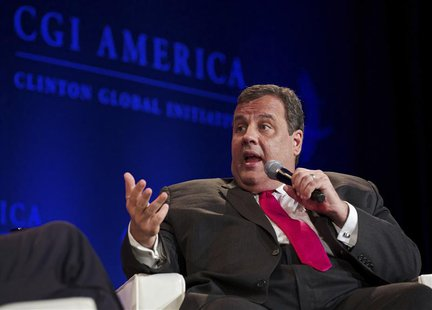 New Jersey Governor Chris Christie speaks during the Clinton Global Initiative America meeting in Chicago, Illinois, June 14, 2013. REUTERS/