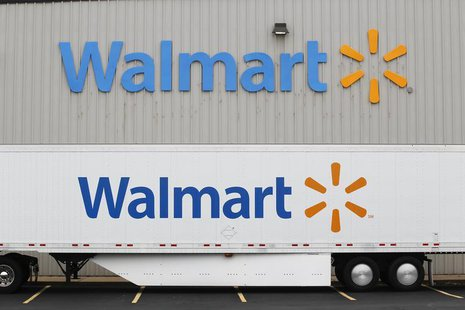A Wal-Mart Stores Inc company distribution center in Bentonville, Arkansas June 6, 2013. REUTERS/Rick Wilking