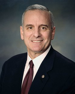 U.S. Senator Mark Dayton of Minnesota. By United States Congress [Public domain], via Wikimedia Commons