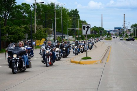 Motorcycle riders take part in the 2013 Jerry Parins Cruise for Cancer event (courtesy of Packers.com).
