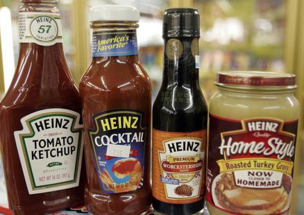 A variety of Heinz products are seen at a convenience store in Golden, Colorado February 28, 2006. REUTERS/Rick Wilking - RTR16QPY