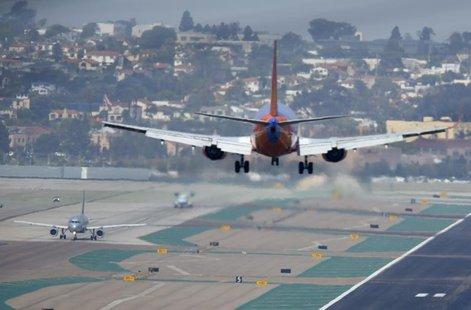 A Southwest airlines arrives to land at the San Diego International Airport in San Diego, California, April 22, 2013. REUTERS/Mike Blake