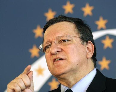 European Commission President Jose Manuel Barroso addresses a news conference after a European People's Party (EPP) leaders' meeting in Vien