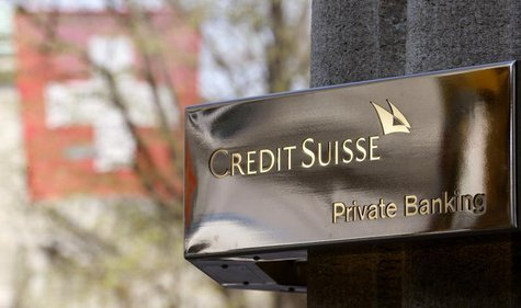 The logo of Swiss bank Credit Suisse (CS) in seen in front of an office building at the Bahnhofstrasse in Zurich April 18, 2013. REUTERS/Arn