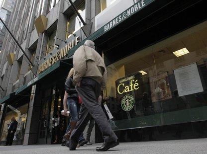 People walk past a Barnes and Noble store in New York October 24, 2012. REUTERS/Brendan McDermid
