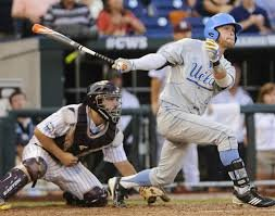 Eric Filia hitting a two-run single in last nights game 1 of the 2013 College World Series.