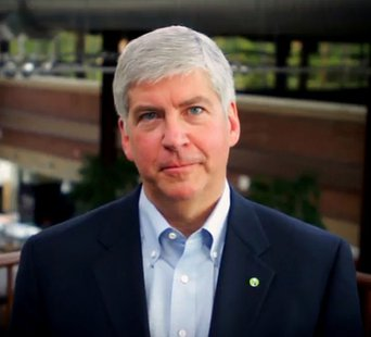Governor Rick Snyder By User:Major.guy2012 (Own work) [CC-BY-SA-3.0 (http://creativecommons.org/licenses/by-sa/3.0) or GFDL (http://www.gnu.org/copyleft/fdl.html)], via Wikimedia Commons