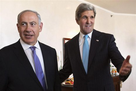 U.S. Secretary of State John Kerry (R) gestures as he meets Israeli Prime Minister Benjamin Netanyahu in Jerusalem June 28, 2013. REUTERS/Ja