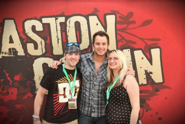 Easton Corbin and B93 Winners!