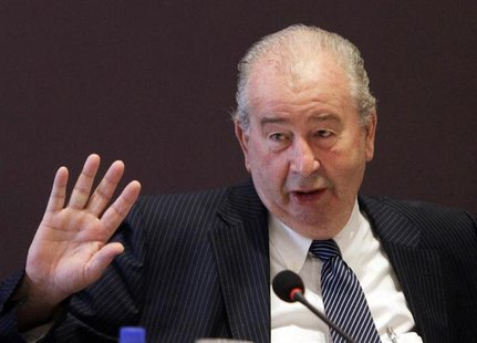 Argentine Football Association President Julio Grondona gestures during a meeting in Luque, near Asuncion February 4, 2012. REUTERS/Jorge Ad