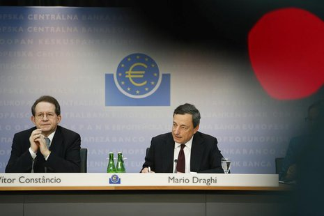 European Central Bank (ECB) President Mario Draghi (R) and Vice President Vitor Constancio address the monthly ECB news conference in Frankf