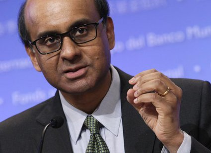 IMFC Chairman Tharman Shanmugaratnam speaks at a news conference during the Spring Meeting of the IMF and World Bank in Washington, April 20