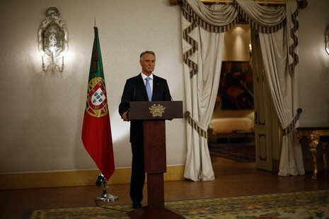 Portugal's President Anibal Cavaco Silva makes a statement to the media at Belem Palace in Lisbon July 10, 2013. REUTERS/Rafael Marchante