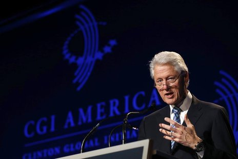 Former U.S. President Bill Clinton speaks at the Clinton Global Initiative America meeting in Chicago, Illinois, June 13, 2013. REUTERS/Jim