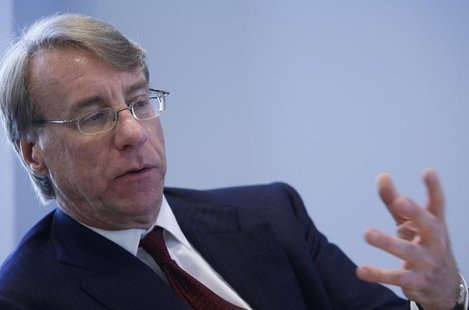 Jim Chanos, founder and CEO of Kynikos Associates, speaks at the Reuters Global Hedge Fund and Private Equity Summit in New York April 11, 2