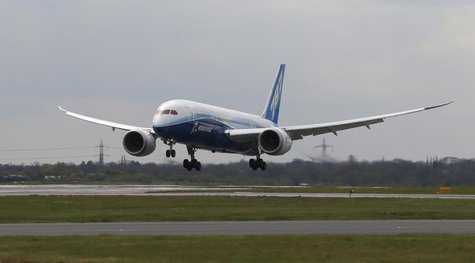 Boeing's new 787 Dreamliner aircraft lands at Manchester Airport in Manchester, northern England April 24, 2012. REUTERS/Phil Noble