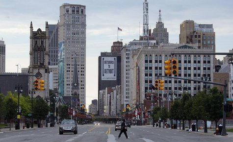 Downtown Detroit is seen looking south along Woodward Avenue in Detroit, Michigan July 21, 2013. REUTERS/ Rebecca Cook
