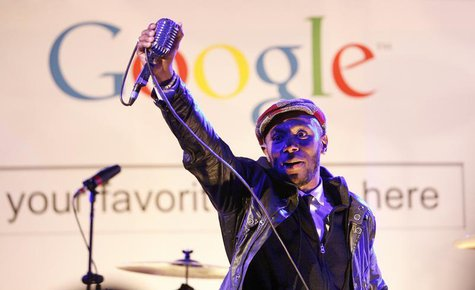 "Hip hop artist Mos Def performs during the ""Discover Music!"" event at Capitol Studios in Hollywood, California October 28, 2009. REUTERS/Mar"