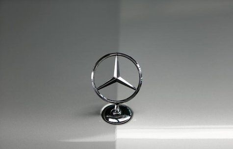The bonnet emblem of a Mercedes-Benz car is pictured in a dealership of German car manufacturer Daimler in Munich May 17, 2013. REUTERS/Mich