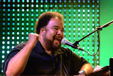 "Pianist George Duke performs during the ""Hommage a Ahmet Ertegun"" show at the 40th Montreux Jazz festival in Montreux June 30, 2006. REUTERS"