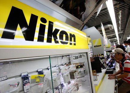 Nikon Corp's logo is pictured at an electronics store in Tokyo August 9, 2012. REUTERS/Yuriko Nakao