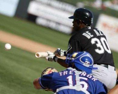 Chicago White Sox outfielder Alejandro De Aza REUTERS/Frank Polich