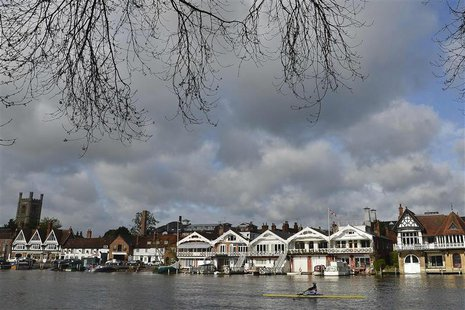 A rower is seen training on the River Thames at Henley-on-Thames, west of London in this April 27, 2012 file photograph. REUTERS/Toby Melvil