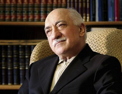 Islamic preacher Fethullah Gulen is pictured at his residence in Saylorsburg, Pennsylvania in this December 28, 2004 file photo. REUTERS/Sel