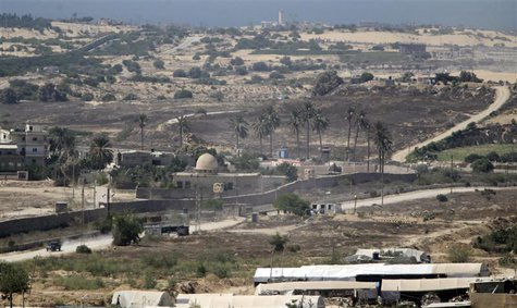 The border area between Egypt and the southern Gaza Strip is seen in this general view August 19, 2013. REUTERS/Ibraheem Abu Mustafa