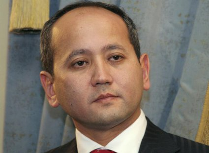 Dissident Kazakh oligarch Mukhtar Ablyazov is seen in Almaty in this November 27, 2006 file photo. REUTERS/Vladimir Tretyakov