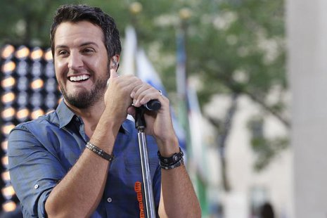 Singer Luke Bryan performs on NBC's 'Today' show in New York, August 16, 2013. REUTERS/Brendan McDermid