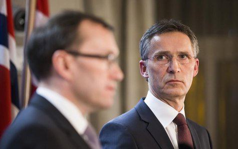 Norway's Prime Minister Jens Stoltenberg (R) and Minister of Foreign Affairs Espen Barth Eide speaks about the hostage situation in Algeria