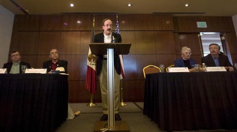 U.S. Representative Eliot Engel speaks during a news conference in Mexico City February 18, 2009. REUTERS/Jorge Dan Lopez