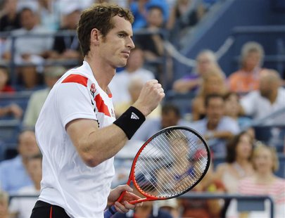 Andy Murray of Britain celebrates a point against Leonardo Mayer of Argentina at the U.S. Open tennis championships in New York, August 30,