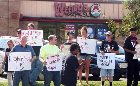 Workers rally outside of Wendy's in Rib Mountain, August 29 2013