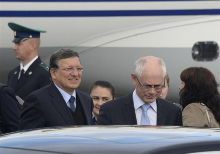 European Council President Herman Van Rompuy (R) and European Commission President Jose Manuel Barroso arrive to take part in the G20 Summit
