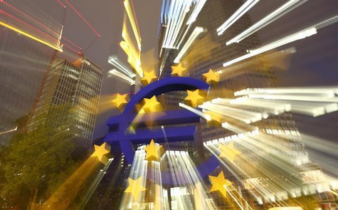 The euro sign landmark is seen outside the headquarters of the European Central Bank (ECB) in Frankfurt September 2, 2013. REUTERS/Kai Pfaff