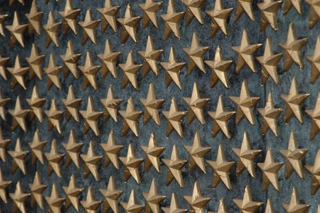 The Commemorative Area of the National World War II Memorial recognizes the sacrifice of America's WWII generation and the contribution of our allies. A field of 4,000 sculpted gold stars on the Freedom Wall commemorates the more than 400,000 Americans who gave their lives, and symbolized the sacrifice of families across the nation.  (Photo from: Wikipedia Commons).