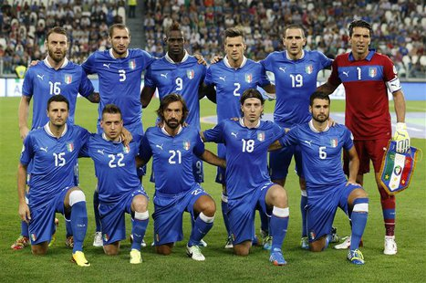 Italy's national soccer team pose before the start of their 2014 World Cup qualifying soccer match against Czech Republic at the Juventus st