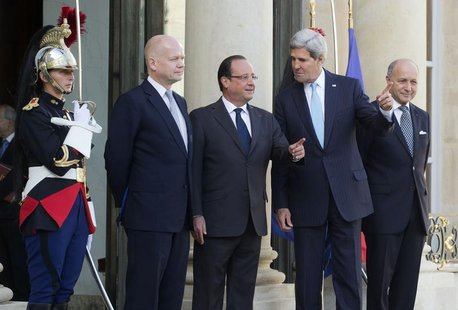 French President Francois Hollande (C), U.S. Secretary of State John Kerry (2ndR), British Foreign Secretary William Hague (2ndL) and French