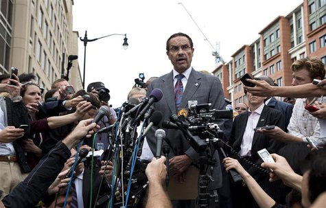 Washington DC Mayor Vincent Gray speaks during a news conference as police respond to a shooting at the Washington Navy Yard in Washington,