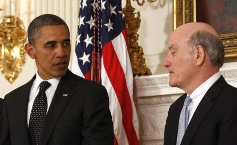 U.S. President Barack Obama announces that Chief of Staff Bill Daley (R) is stepping down after only one year in office and will be replaced