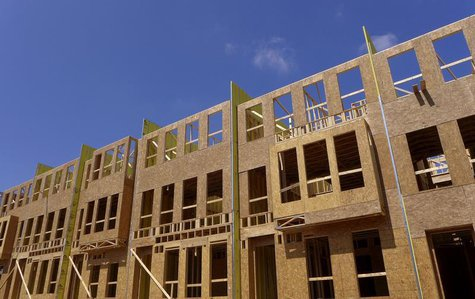 New townhouses under construction are seen in Fairfax, Virginia, just outside of the capital Washington, September 1, 2013. REUTERS/Larry Do