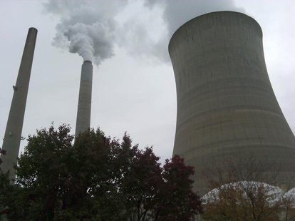 The American Electric Power Company's cooling tower at their Mountaineer plant is shown in New Haven, West Virginia October 27, 2009. REUTER