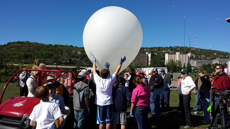 Hermantown Middle School students ready to launch weather balloon (NWS photo)