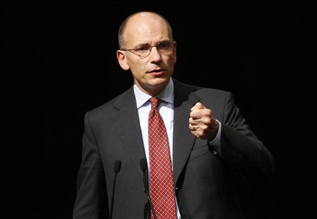 Italy's Prime Minister Enrico Letta gestures during a meeting in Rome, September 29, 2013. REUTERS/Remo Casilli