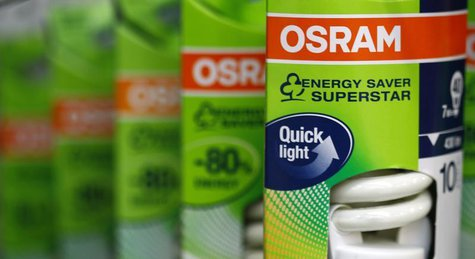 Light bulbs (7 watt) of lamp manufacturer Osram are pictured in a shop in Germering near Munich November 28, 2012. REUTERS/Michaela Rehle