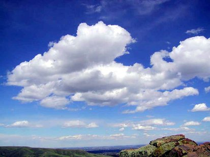 Clouds in fair weather. (Photo by: Michael Jastremski/Creative Commons).
